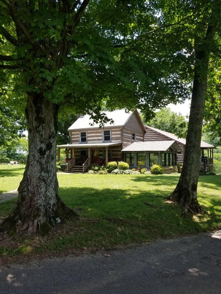 Beech Grove Stable & Kennels: 1187 Suttons Branch Rd, Beechgrove, TN