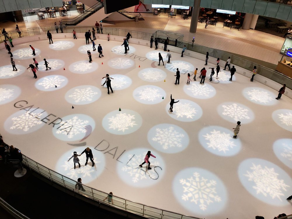 Galleria Ice Skating Center: 13350 Dallas Pkwy, Dallas, TX