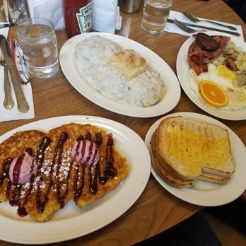 Photo Of Rounds Restaurant Traverse City Mi United States