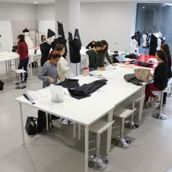 Ferrari fashion school colleges universities via for Milano fashion school