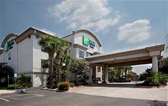 Holiday Inn Express & Suites Mission-Mcallen Area: 901 S Shary Rd, Mission, TX