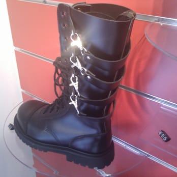 le più votate più recenti scarpe da corsa qualità e quantità assicurate Goth'n'Roll Abbigliamento Alternativo Uomo Donna Genova ...