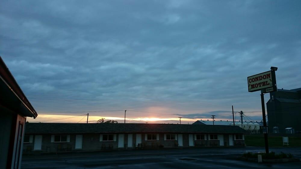 Condon Motel: 216 N Washington St, Condon, OR