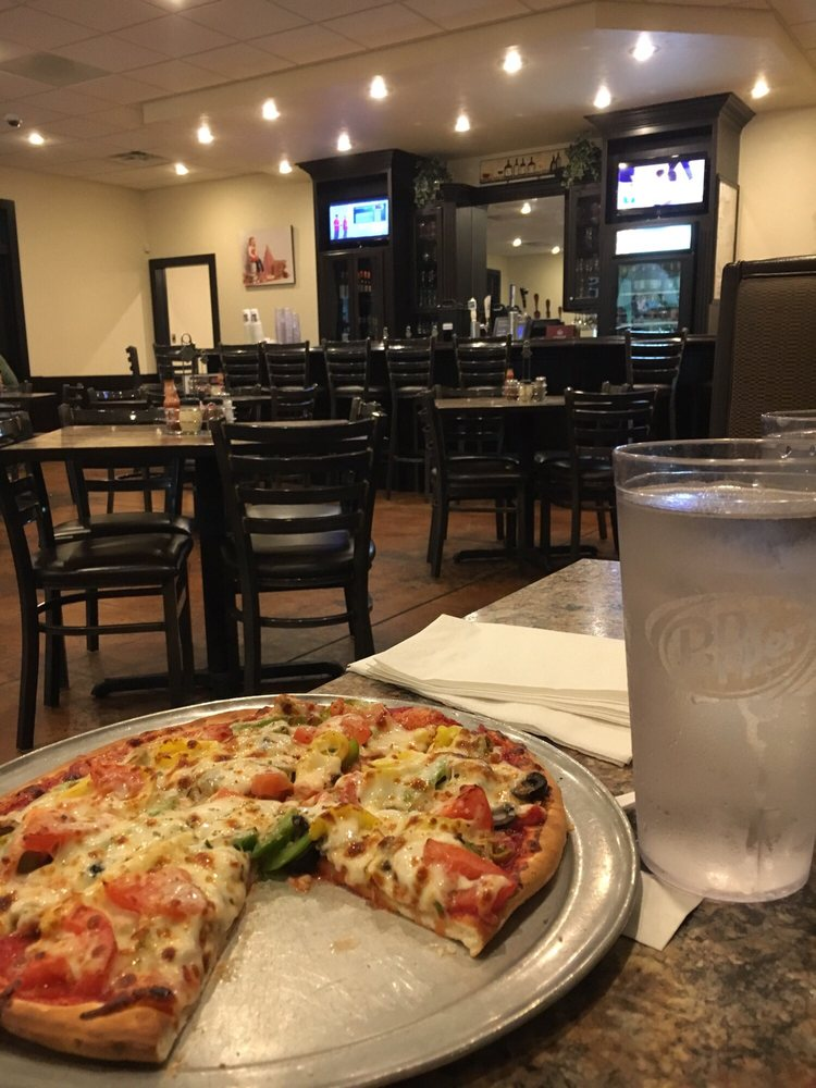 Joe's Pizza: 1008 S Main St, Altamont, IL