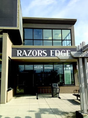 Razors edge hair studio day spa 120 1437 for Edge hair salon