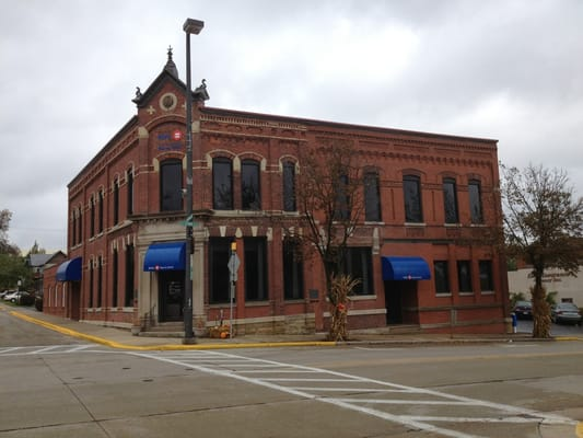 BMO Harris Bank - 302 N Iowa St, Dodgeville, WI - 2019 All