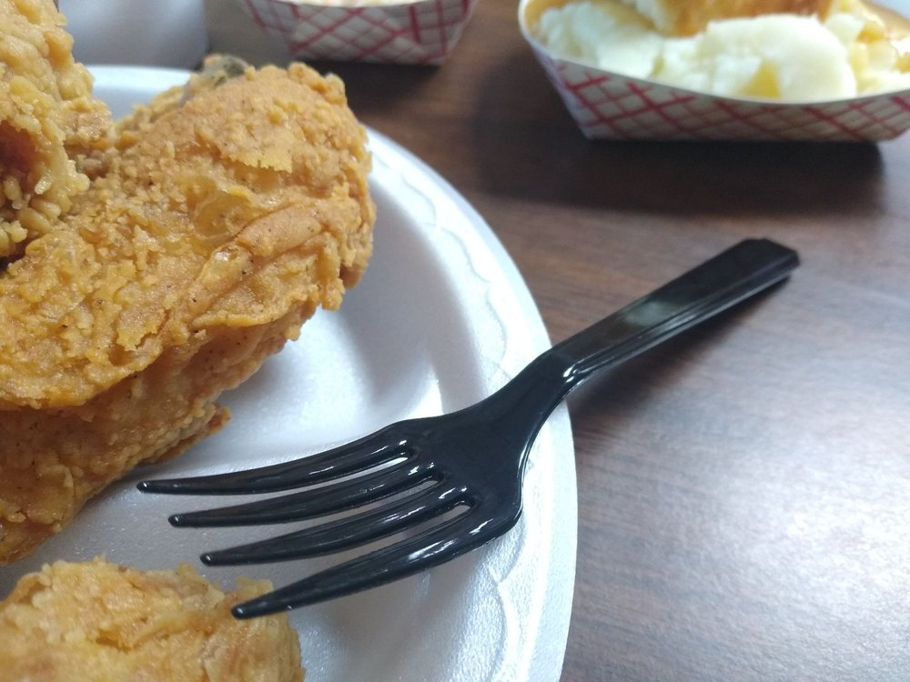 Lee's Famous Recipe Chicken: 214 S Main St, Greensburg, KY