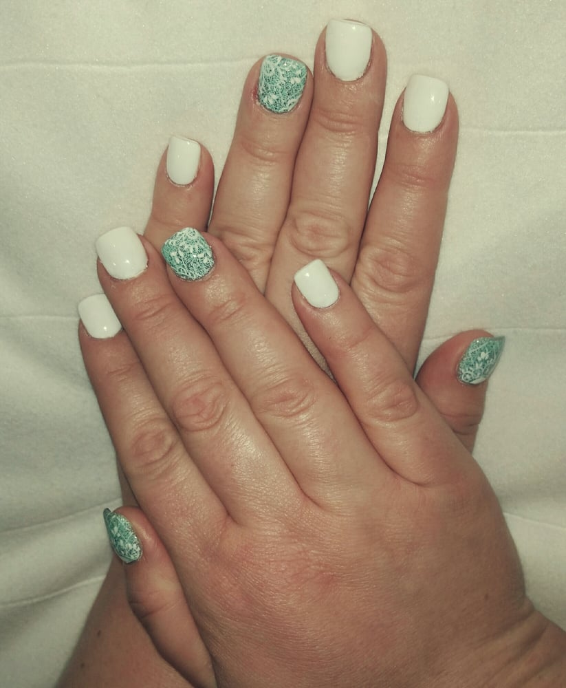 Laquer Nail Bar: Don't Mind My Stub Fingers, Amazing Work!