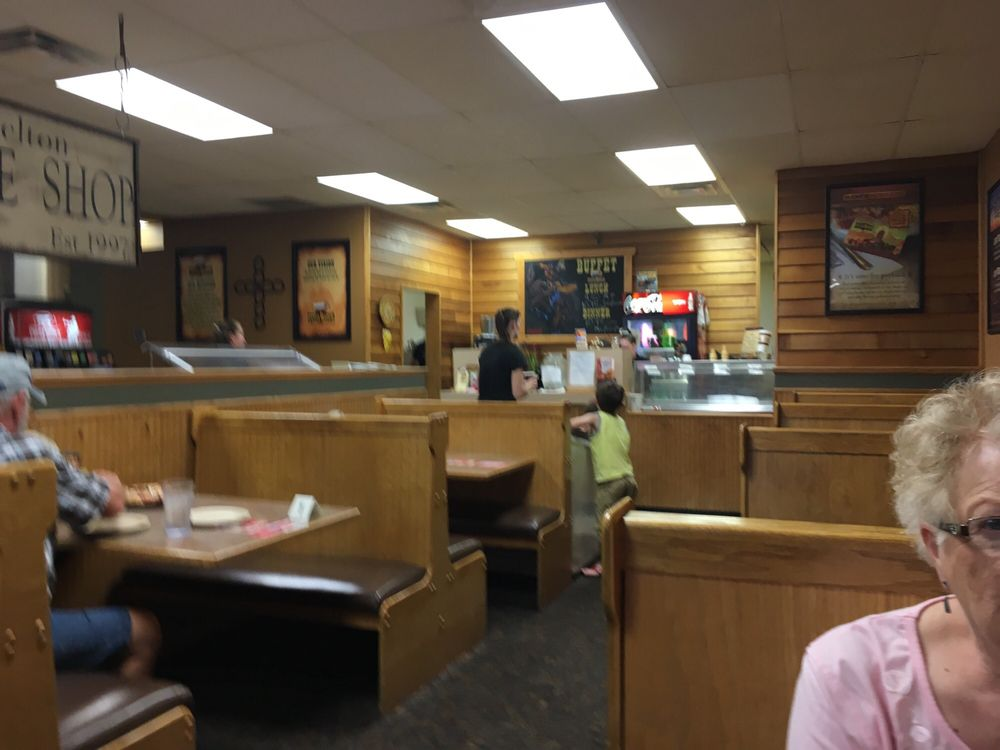 Pizza Ranch: 638 Front St, Casselton, ND