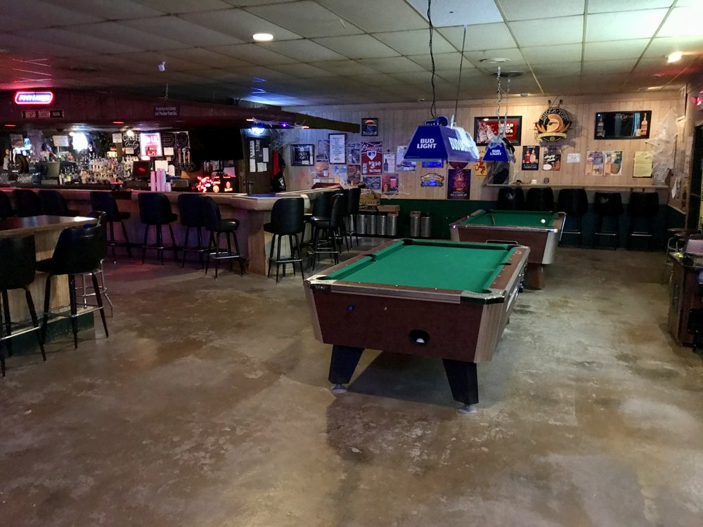 Club Ray Lounge & Casino: 24 Railroad Ave, Ray, ND