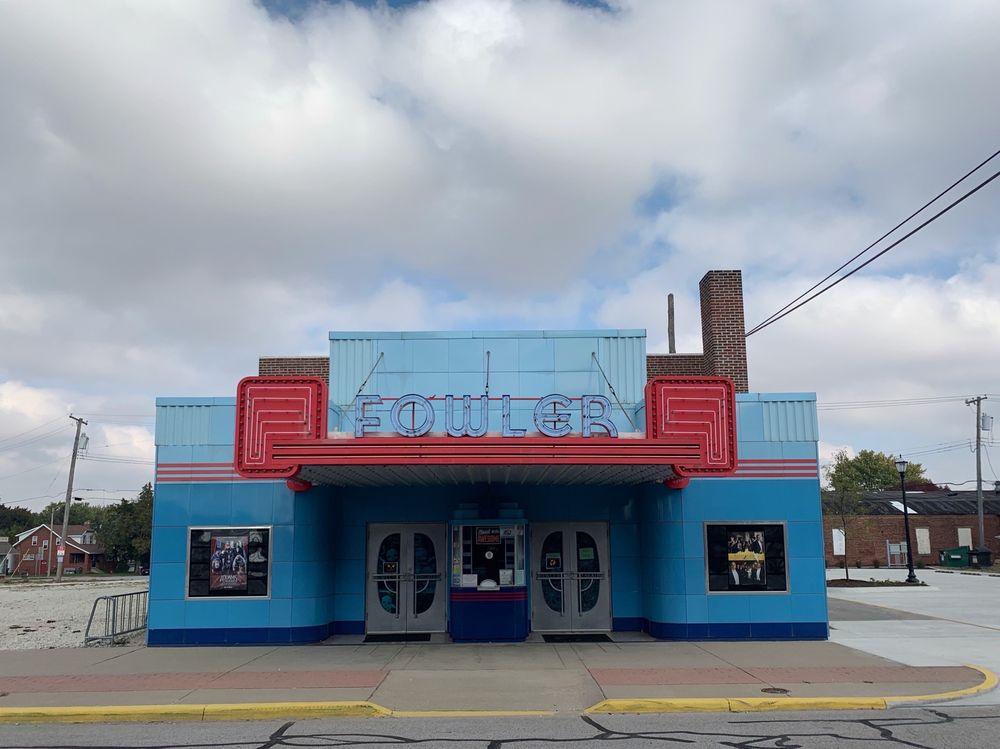 Fowler Theatre: 111 E 5th St, Fowler, IN