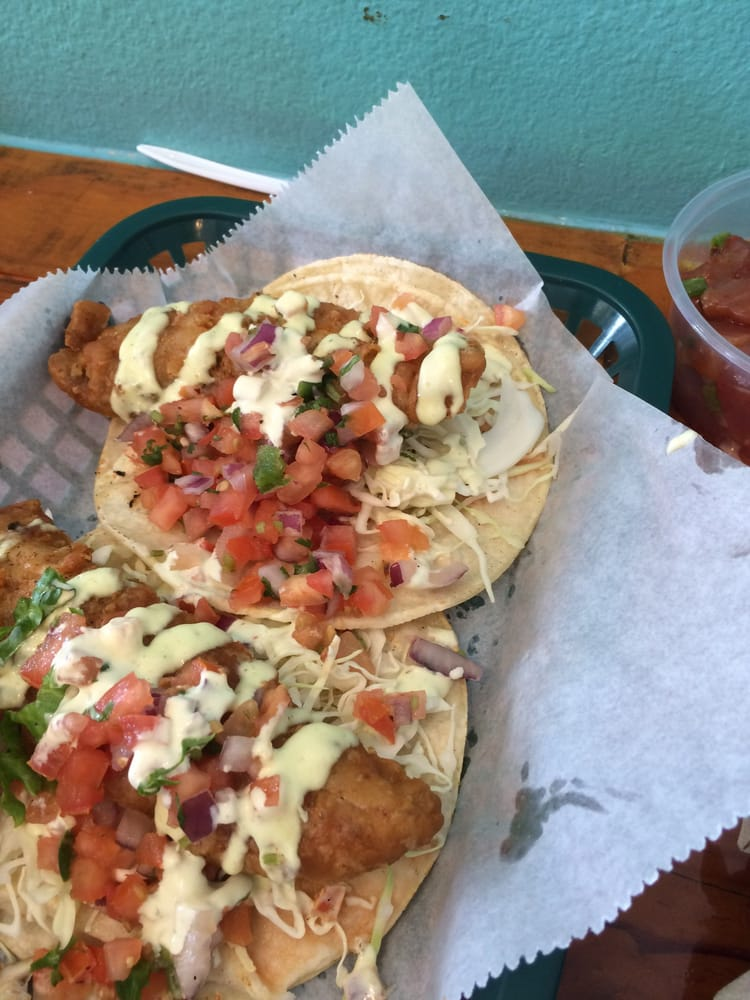 Huge portions of fish in fish tacos each yelp for Fish market maui