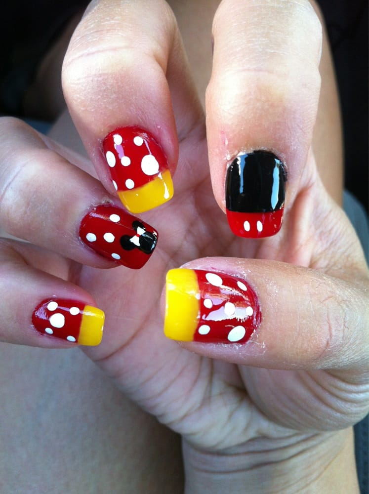 Disney Nails By Minh Full Set Free Hand Design Yelp