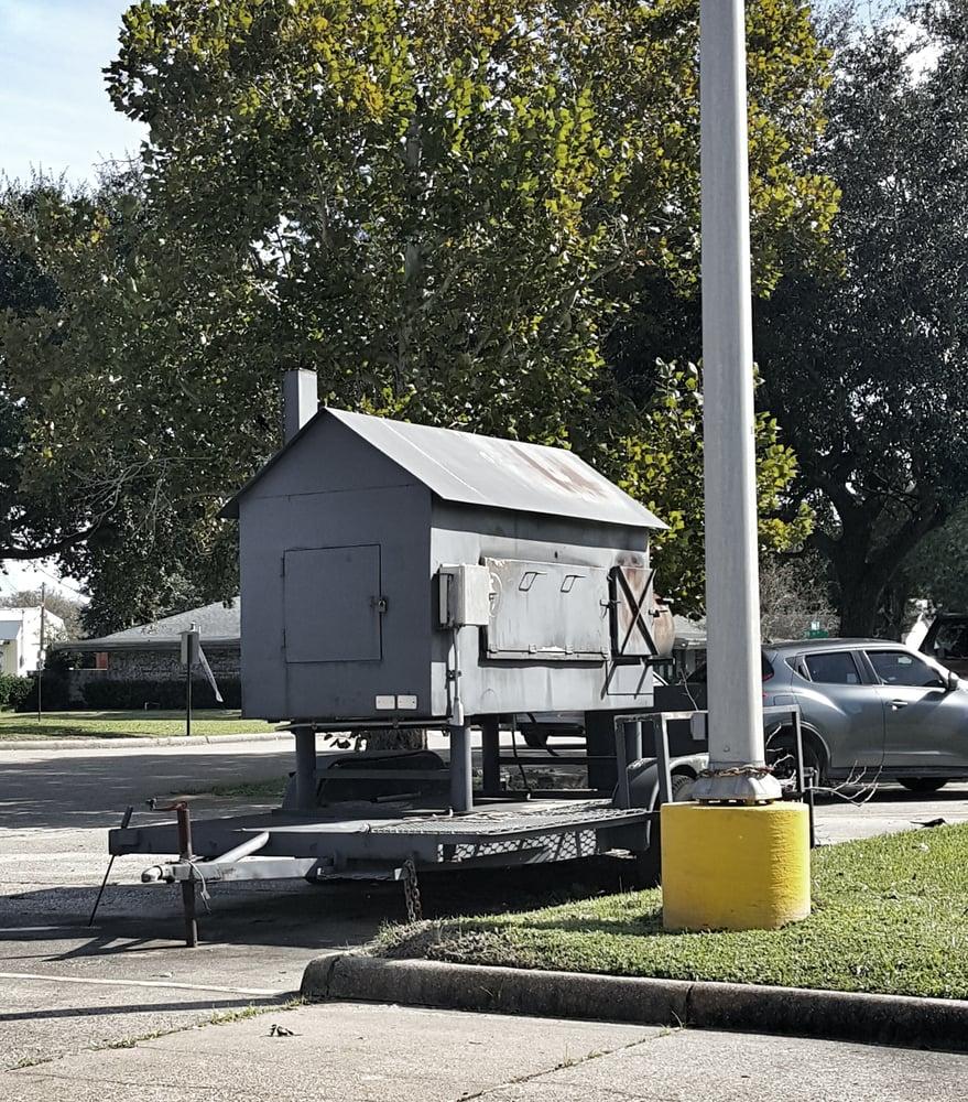 Market Basket: 6001 39th St, Groves, TX