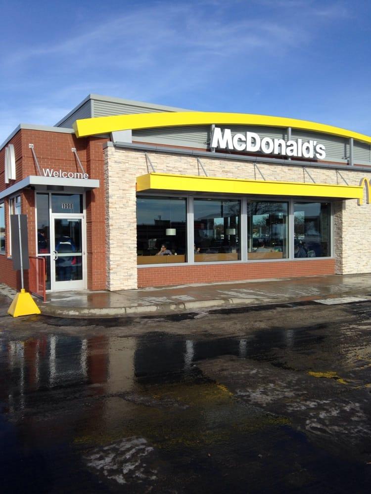 McDonald's: 1098 Hwy 15 S, Hutchinson, MN