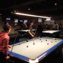 Le Cue Photos Reviews Lounges Woodbine Avenue - Cue master pool table