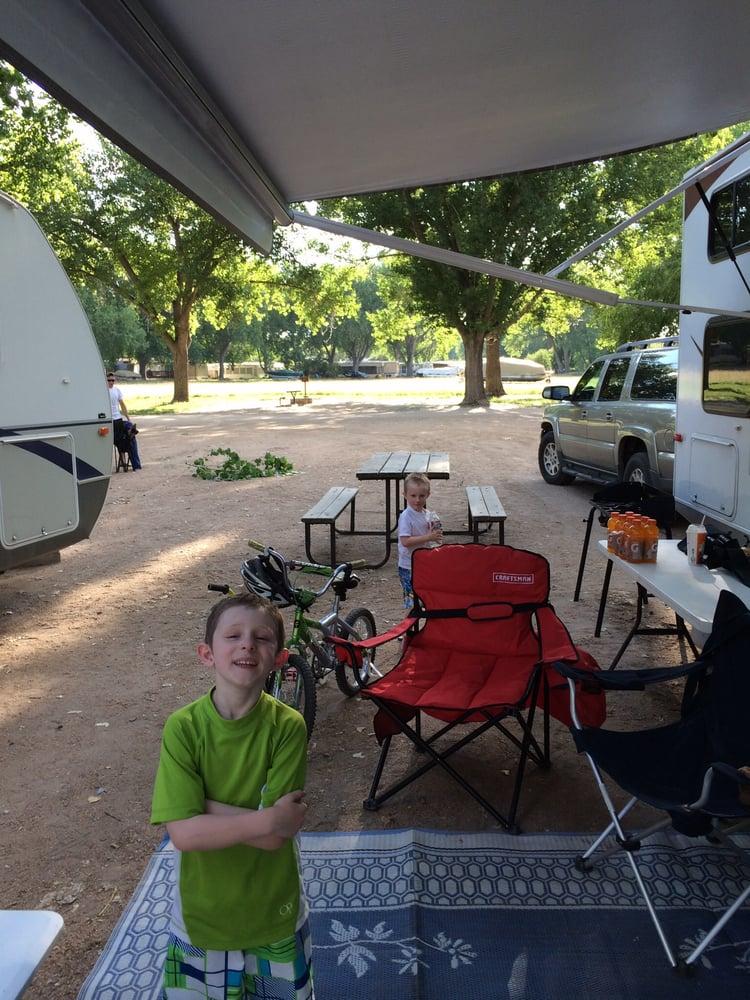 Van's Lakeview Fishing Camp: 1 E Lakeview, Brule, NE