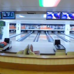 bowling front de seine 13 photos stadiums concert. Black Bedroom Furniture Sets. Home Design Ideas