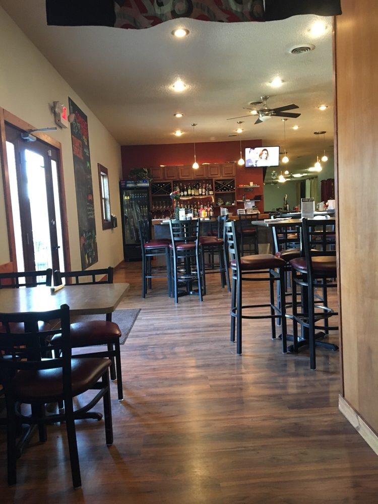 Commerce Street Grille & Bar: 120 S Main St, Plankinton, SD