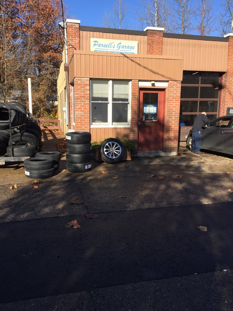 Parsell's Auto Service: 616 Main St S, Southbury, CT