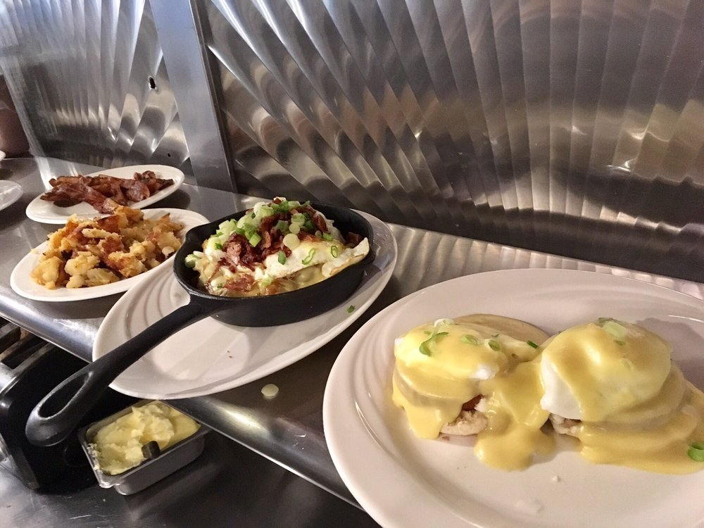 Sunny's Riverhead Diner and Grill: 87 E Main St, Riverhead, NY