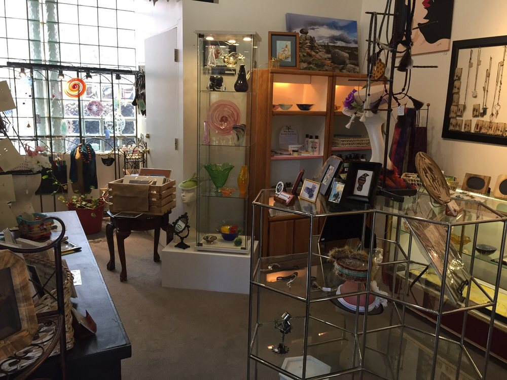 Three Crows Gallery and Gifts: 119 West 17th St, Cheyenne, WY