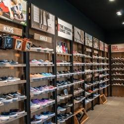 vans negozio di scarpe milano