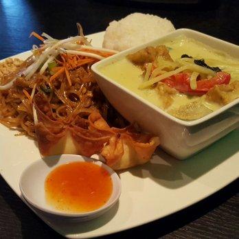 Photo Of Dan Thai Restaurant Bar Burien Wa United States Green