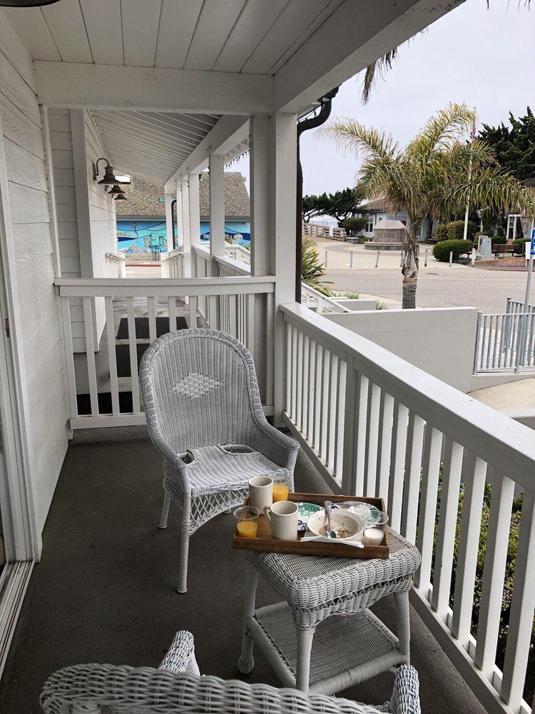 On the Beach Bed & Breakfast: 181 N Ocean Ave, Cayucos, CA