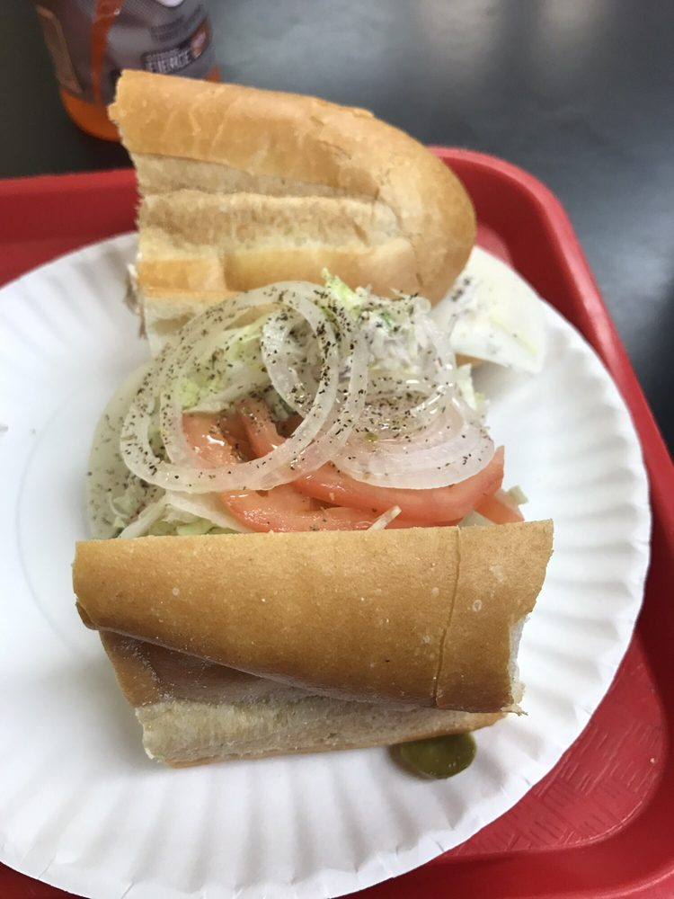 Dave's Famous Subs: 26 Wrightstown Cookstown Rd, Cookstown, NJ