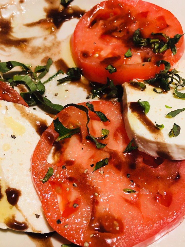 Amore Italian Restaurant: 116 W Heron St, Aberdeen, WA