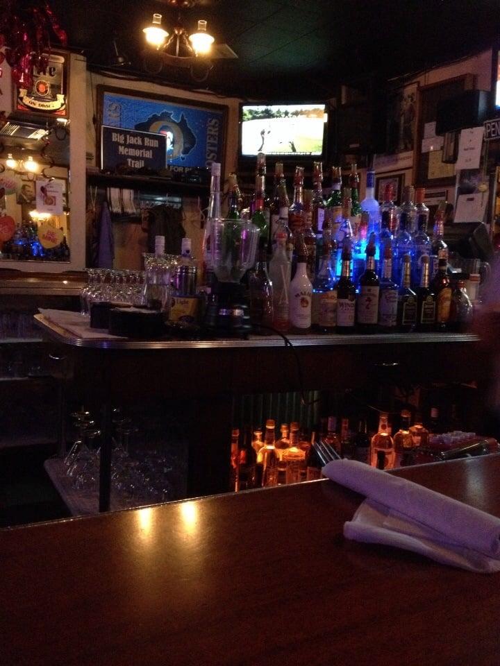 Blu Tavern Restaurant & Motel: 1323 Bunting St, Llewellyn, PA