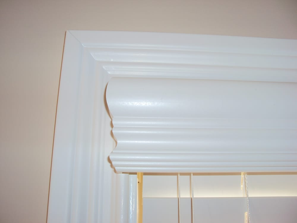 Crown Valance With Valance Returns Over 2 Quot Faux Wood