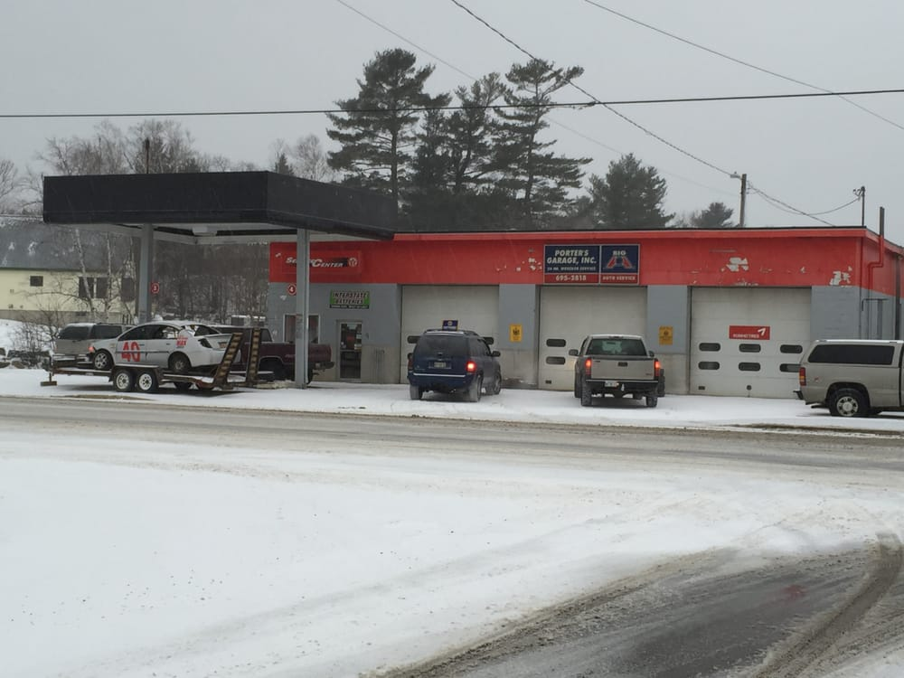 Porter's Garage: 9 Moosehead Lake Rd, Greenville, ME
