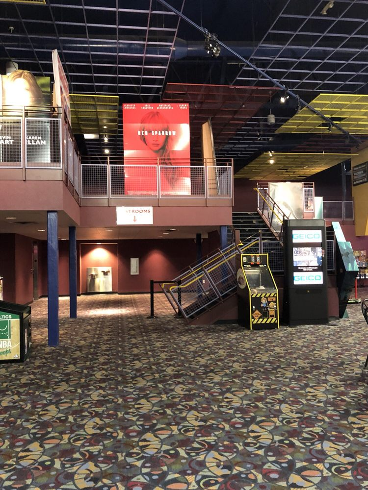Phoenix Theatres Chartiers Valley Stadium 18: 1025 Washington Pike, Bridgeville, PA