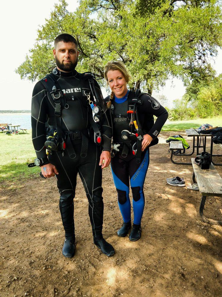 Gigglin' Marlin Dive & Swim