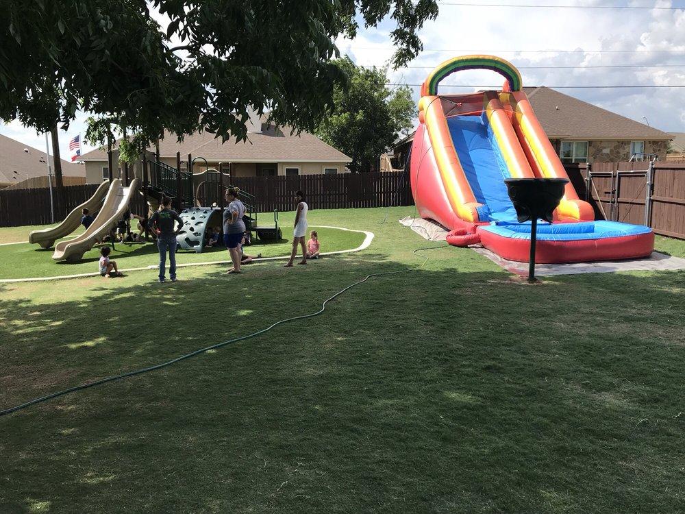 Kids Zone: 105 Western Sky Trl, Jarrell, TX
