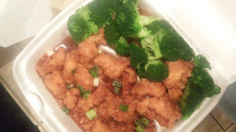 Tasty Asia: 1126 2nd Ave S, Moorhead, MN