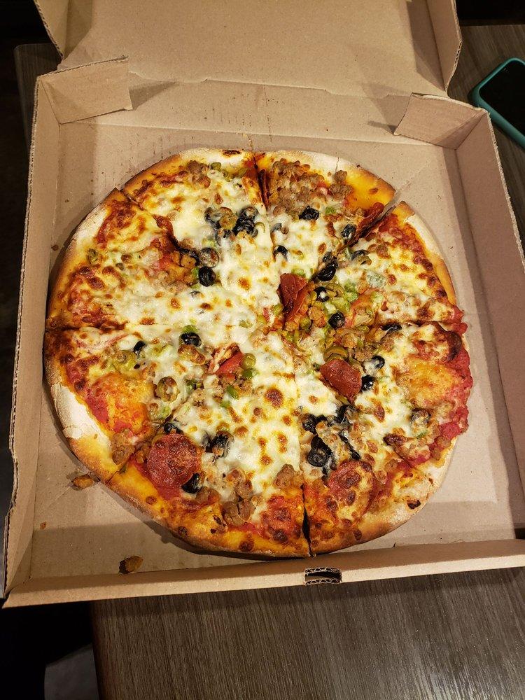 Checkers Pizza: 124 Highway 463 S, Trumann, AR