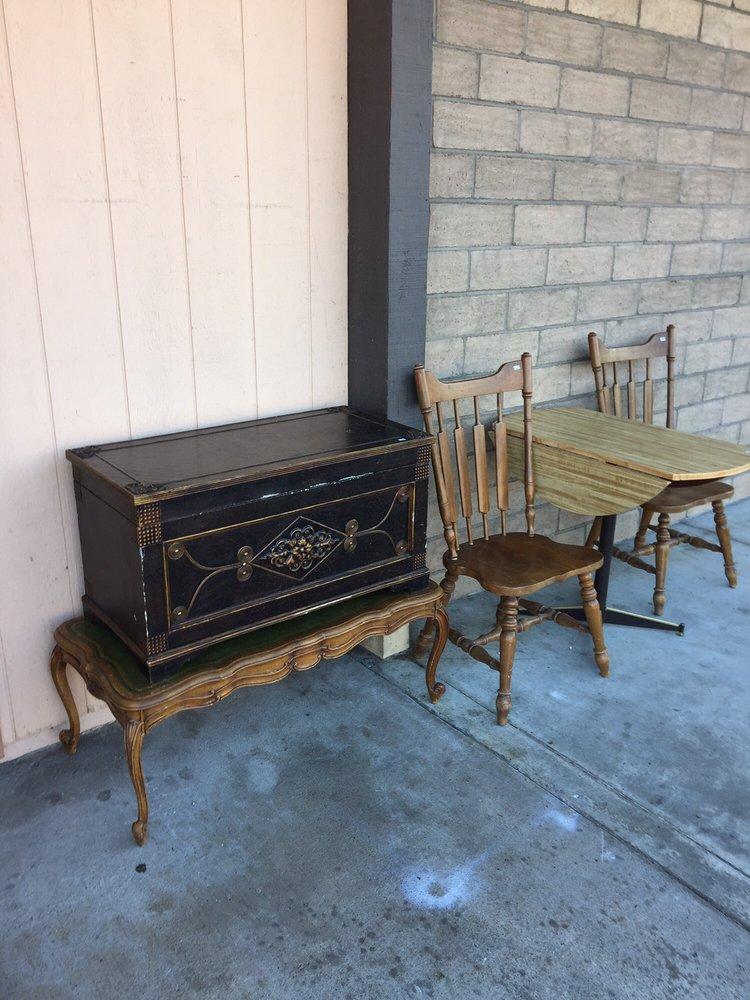 Redwood thrift & Rejoyce Designs: 423 N Fortuna Blvd, Fortuna, CA