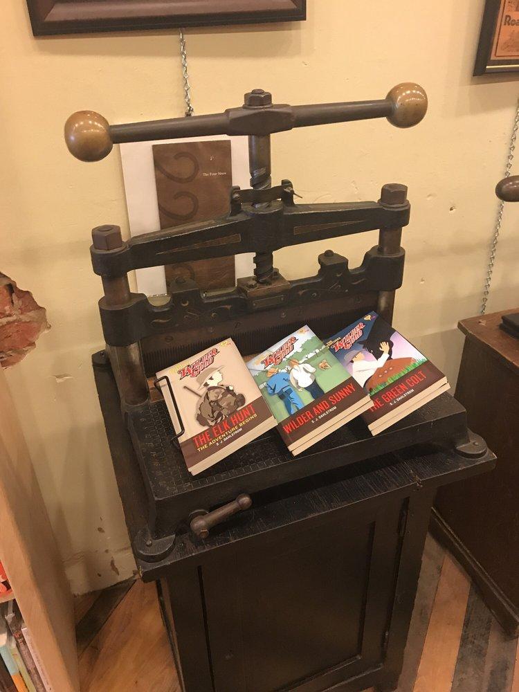 Pratt's Books: 502 Oak St, Graham, TX