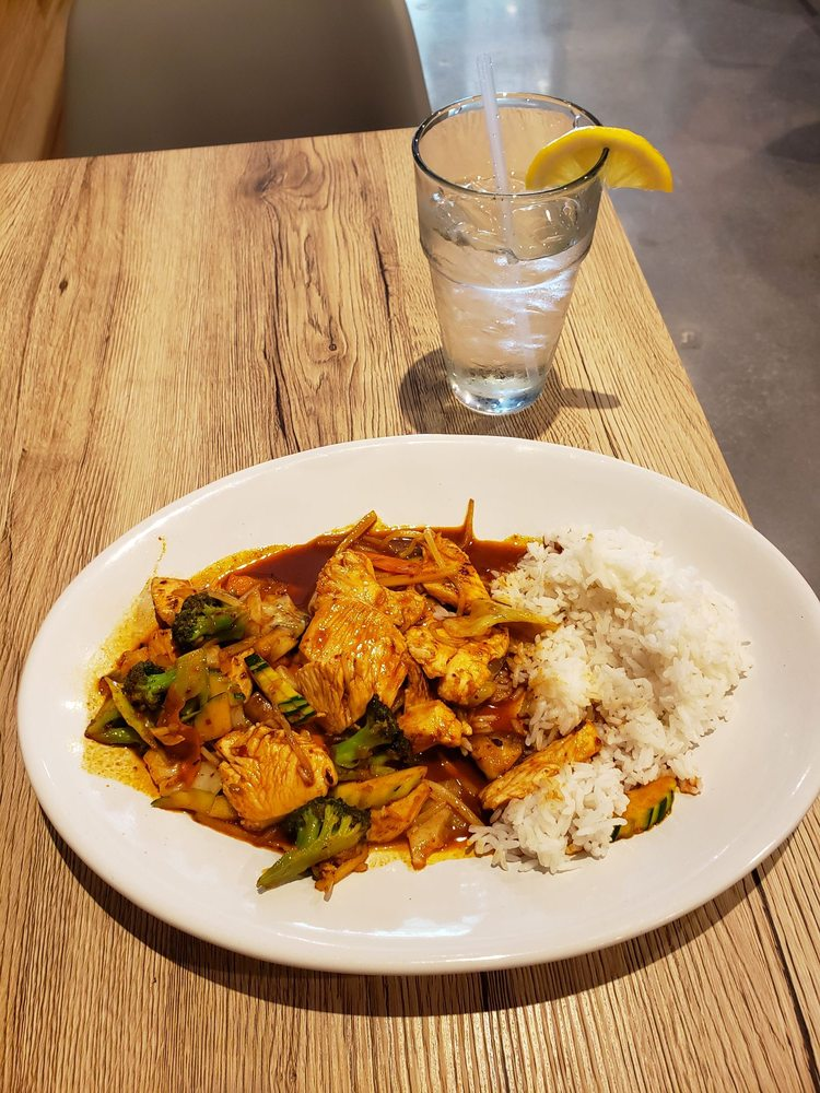 Thai Spice: 286 Hwy 74, Peachtree City, GA