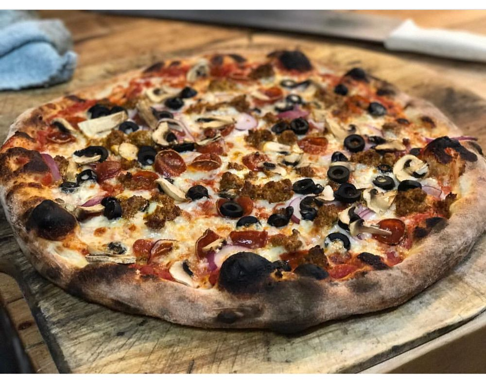 Red Sauce Pizza: 4935 NE 42nd Ave, Portland, OR