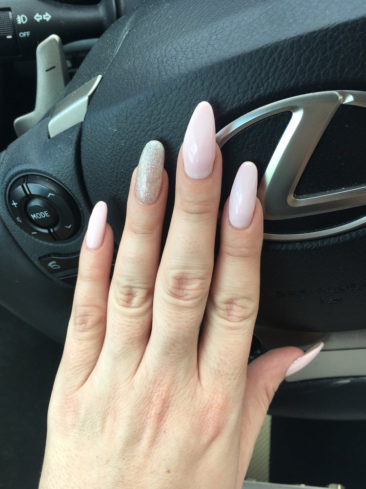 Different shapes and sizes!!! Round, almond and stiletto nails ...
