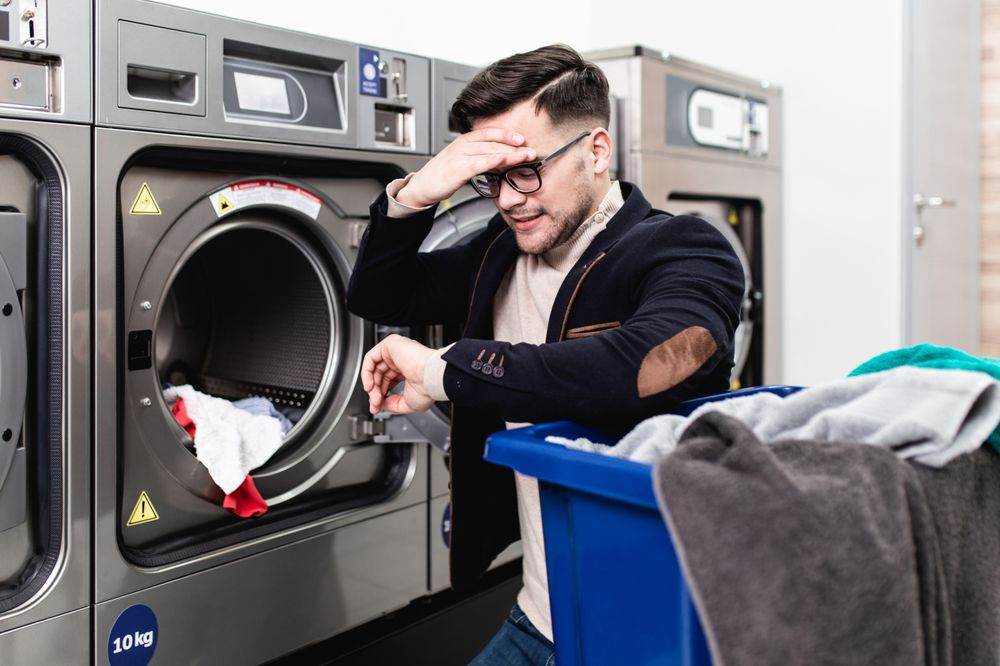 Evans Express Laundry: 835 31st St, Evans, CO