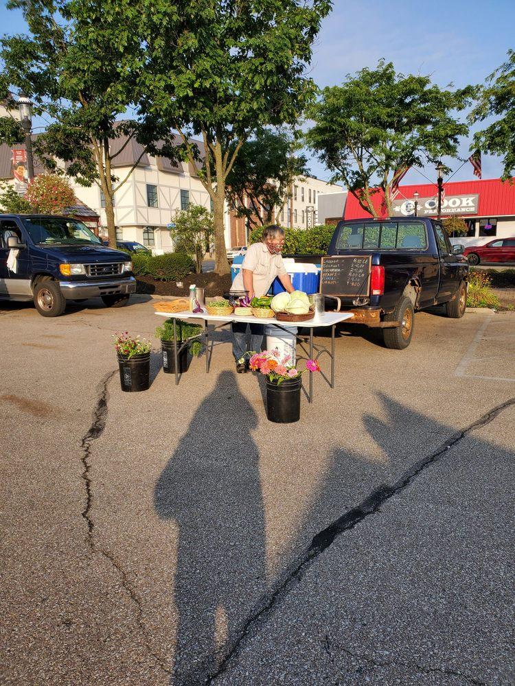 Batesville Farmers Market: 121 Batesville Shopping Village, Batesville, IN