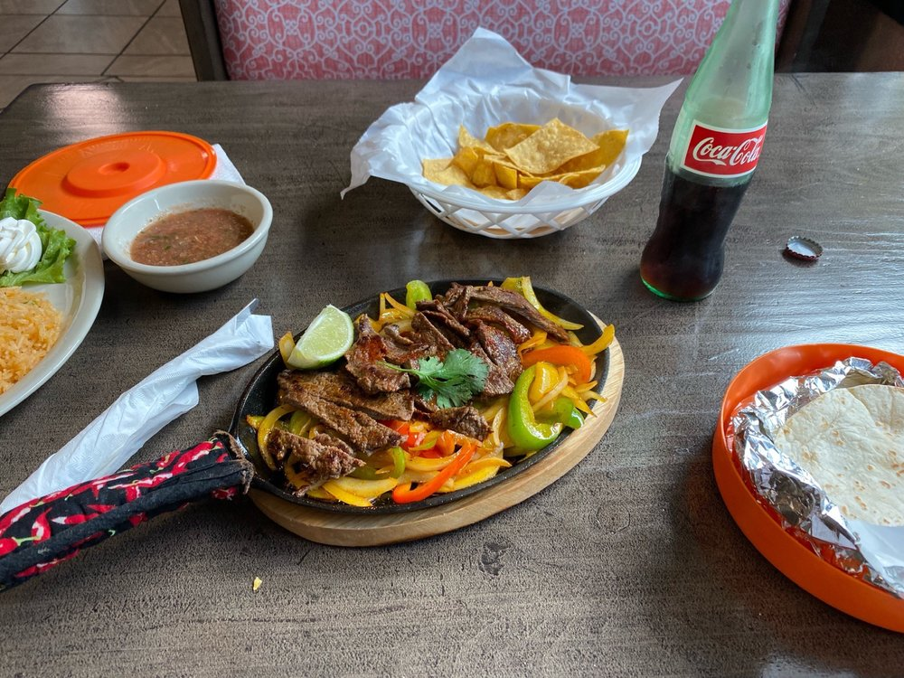 La Cocinita Mexican Restaurant: 2220 N Center St, Hickory, NC