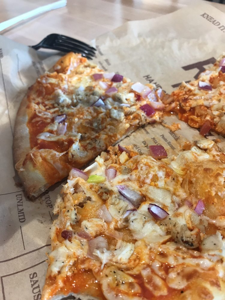Rise Pies: Mall Rd, Berkshire Township, OH