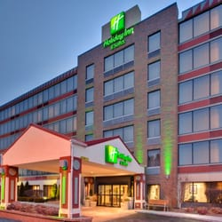 Photo Of Holiday Inn Hotel Suites Warren Mi United States