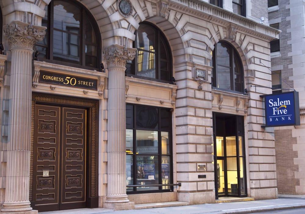Salem Five Bank located in Saugus, Massachusetts MA ...